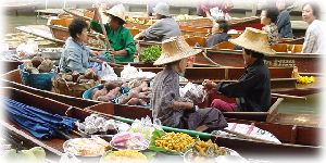 Picture from the famous floating market in Thailand